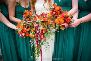 Autumnal bridal flowers