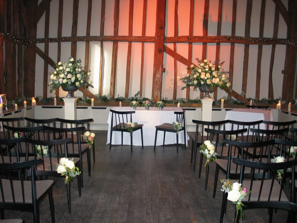 The Tythe Barn at The Olde Bell, Hurley. Wedding Flowers