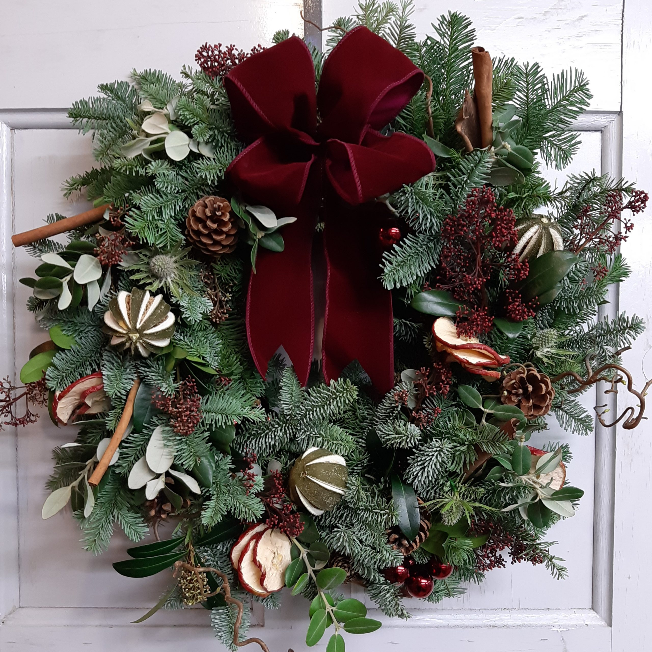 Christmas Wreath Making At Sonning Flowers Covid Safe Sonning Flowers