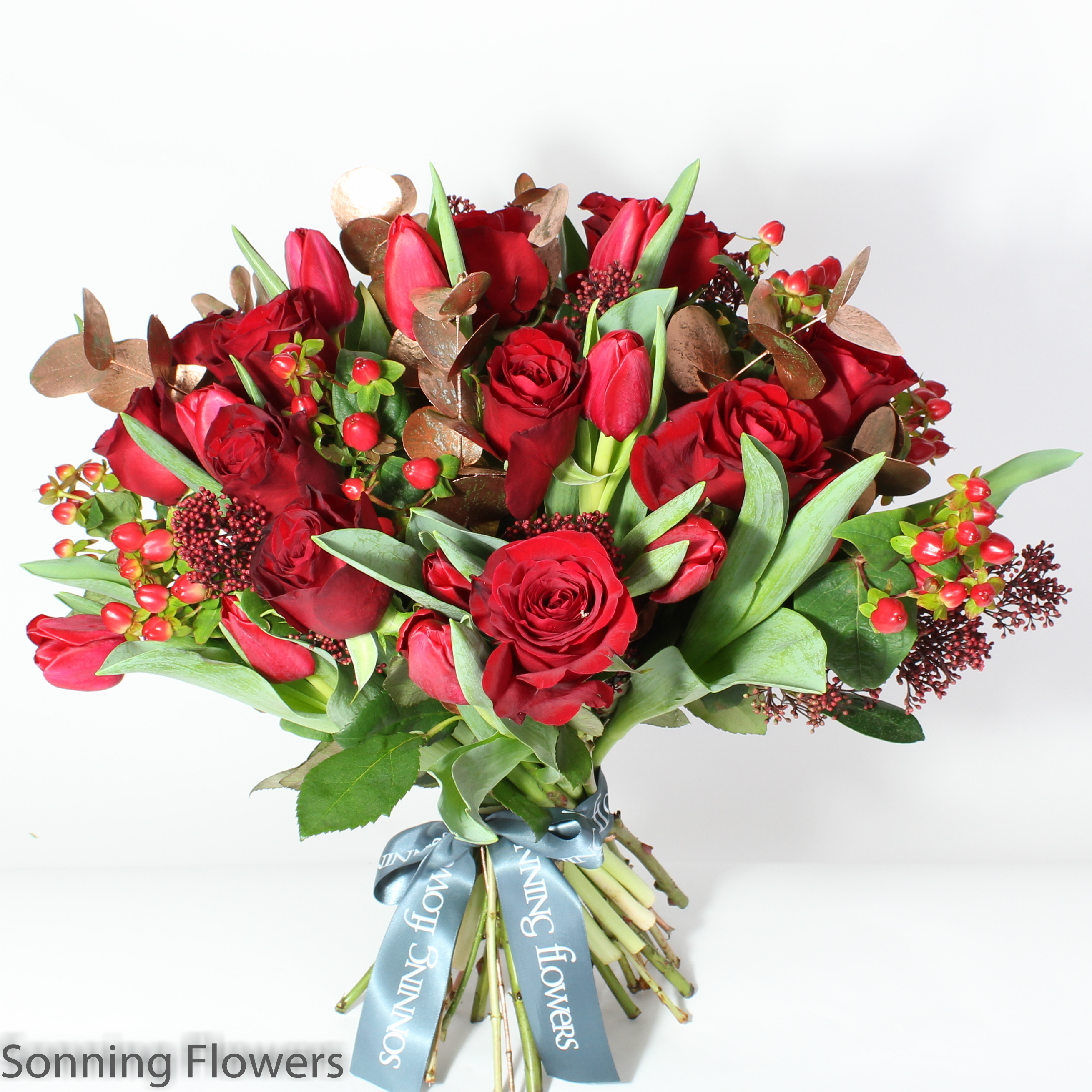 Christmas Cracker Gift Bouquet